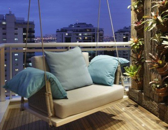 κούνια για να κάθεσαι στο μπαλκόνι