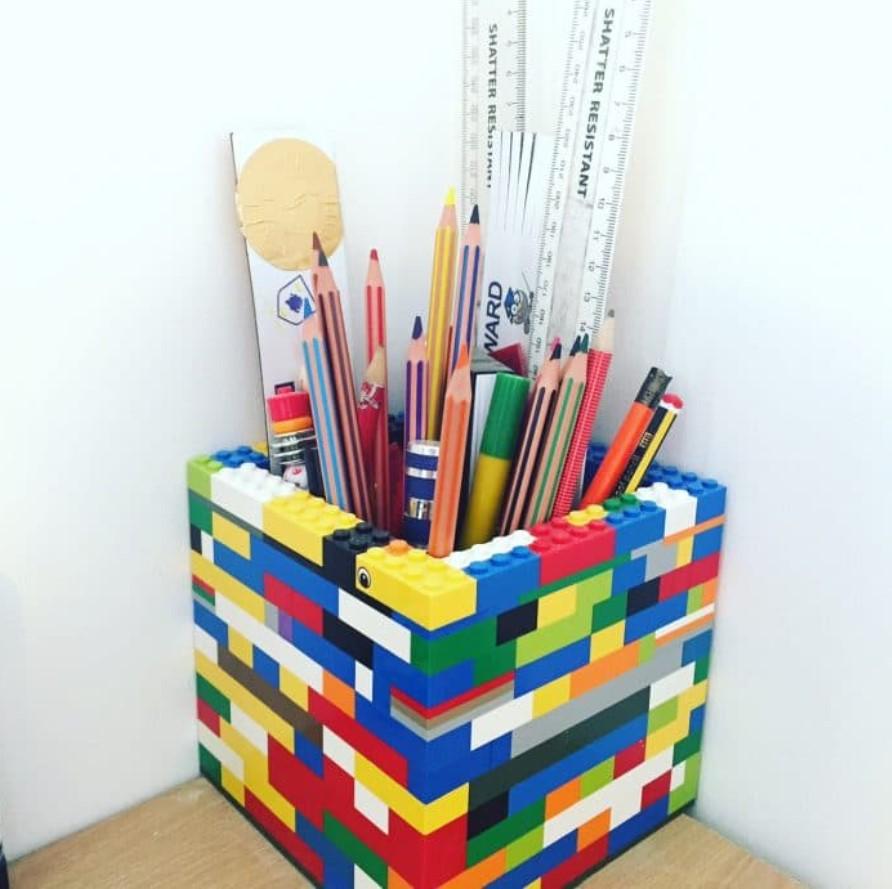 μολυβοθήκη από lego