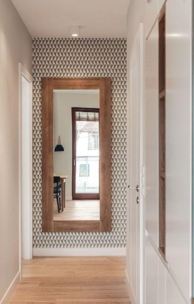 ολόσωμος καθρέπτης διάδρομο