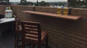 τραπέζι για τοίχο μπαλκονιού