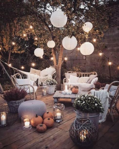 κήπος φανάρια λαμπάκια φωτισμό εξωτερικό χώρο