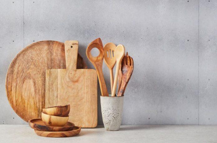 ξύλινα μαγειρικά σκεύη