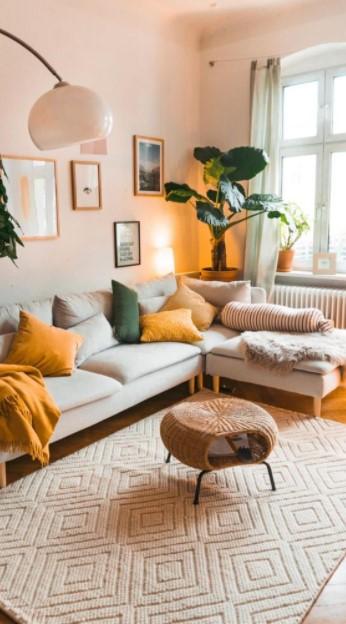 σαλόνι καναπές φωτιστικό σπίτι δείχνει μεγαλύτερο