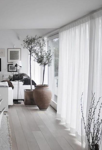 σαλόνι λευκές κουρτίνες