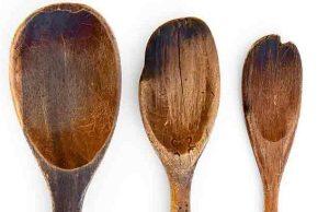 χαραγμένα ξύλινα κουτάλια