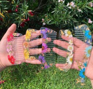 diy χτένες με λουλούδια