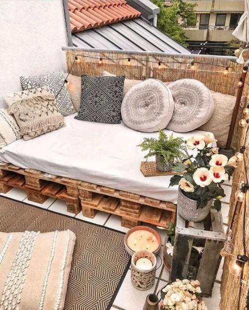 καναπές μπαλκονιού παλέτες