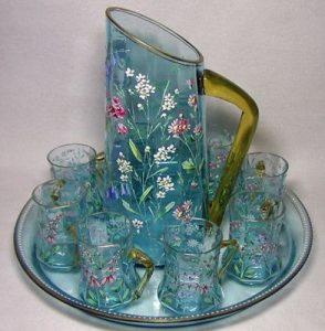 κανάτα ποτήρια υγρό γυαλί