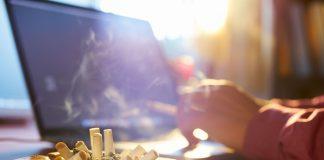 μυρωδιά τσιγάρου