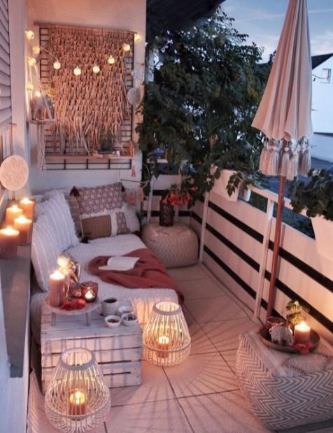 μπαλκόνι φωτάκια φανάρια παραμυθένια βεράντα