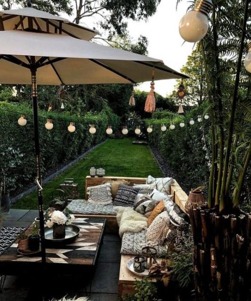 όμορφος κήπος λαμπάκια αντικείμενα κήπου