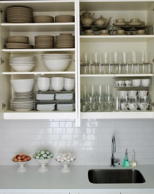 οργανωμένο ντουλάπι κουζίνας