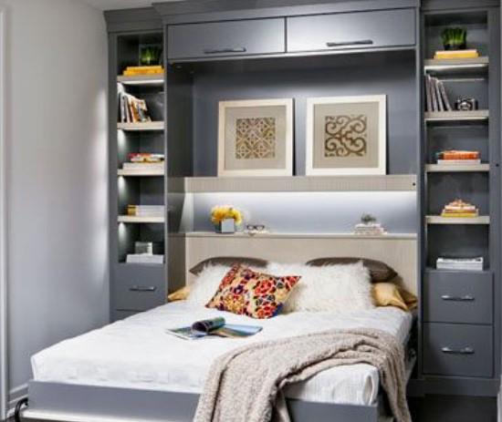 βιβλιοθήκη στο πλαίσιο κρεβατιού για να οργανώσεις μικρό υπνοδωμάτιο