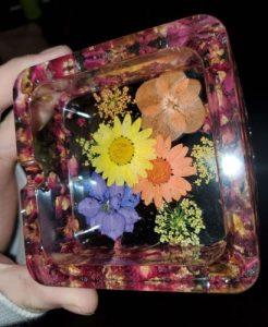γυάλινο σταχτοδοχείο λουλούδια