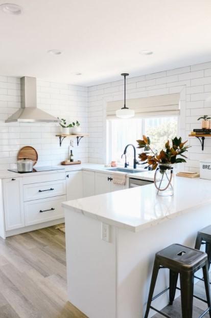 κουζίνες σχήμα Π παράθυρο