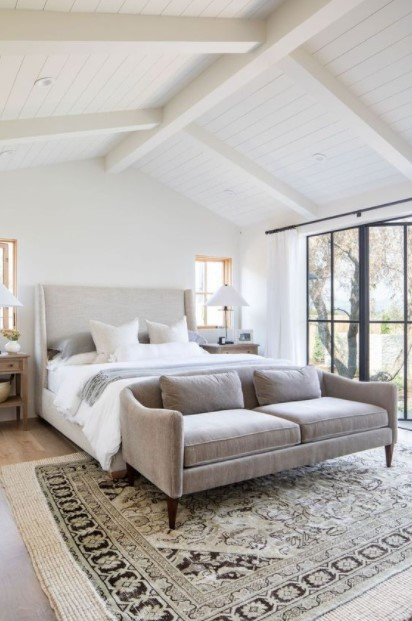 κρεβάτι μπεζ καναπές
