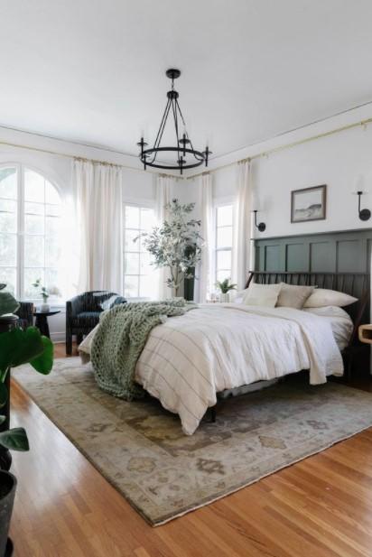 μεγάλο υπνοδωμάτιο κρεβάτι