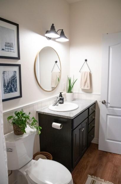 μπάνιο καθρέπτης απλίκες