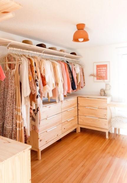 οργανωμένα ρούχα συρταριέρα